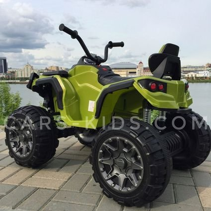 Полноприводный электроквадроцикл Grizzly зеленый (резиновые колеса, кожаное кресло, пульт, музыка)